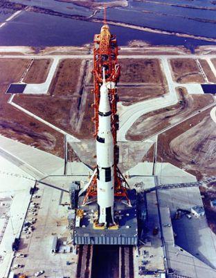 Maj 1969r. Apollo-10 przygotowywany jest do startu z LC-39B (NASA)