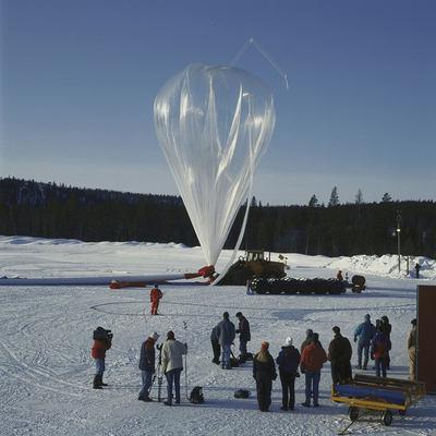 Napełnianie czaszu balonu w ramach lotu BEXUS (SSC)