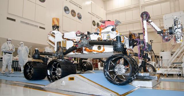 MSL pokonuje spreparowane przeszkody / Credits: NASA-JPL (domena publiczna)