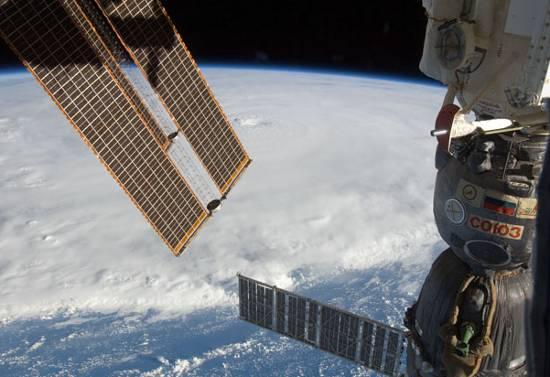 Huragan Earl widziany z pokładu ISS / Credits - NASA