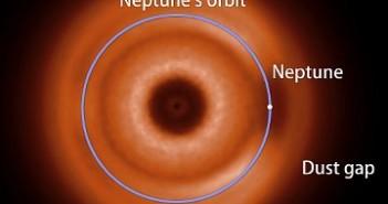 Model cząstek pyłu w pasie Kuipera - teraźniejszość / Credits - NASA, Goddard, Marc Kuchner i Christopher Stark