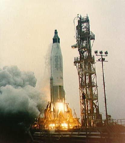 Start rakiety Atlas w nieudanym teście MA-1 (NASA/S61-01205)