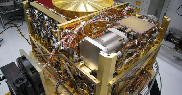 Zmontowany przyrząd SAM / Credits: NASA-JPL