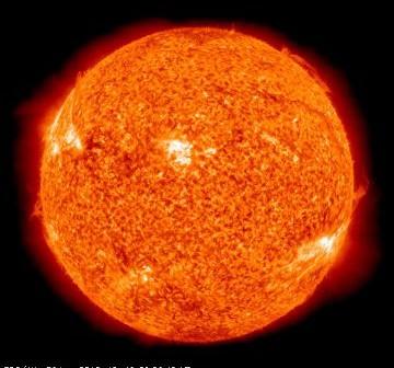 Widok Słońca w dniu 19 października 2010 roku - protuberancja jest widoczna po prawej stronie tego obrazu / Credits - SDO, NASA