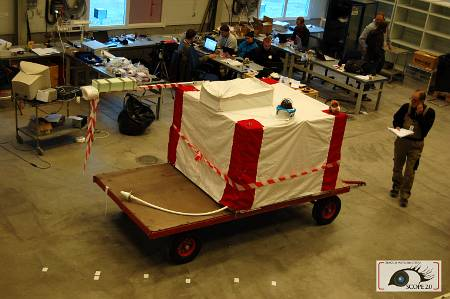 Gotowa duża gondola. Widoczny charakterystyczny wysięgnik na IMU i GPS, należące do SCOPE / Credits - SCOPE team, SKA