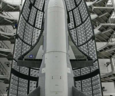 OTV-2 w ładowni rakiety Atlas V (przed startem z marca 2011) / Credits: USAF
