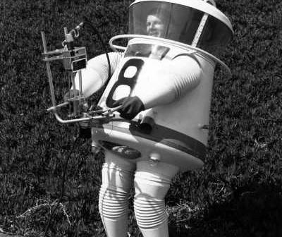 Hap Hazard w skafandrze swojego projektu (JPL/NASA)