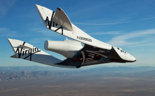 SpaceShipTwo w czasie lotu. Credit: Mark Greenberg/Virgin Galactic