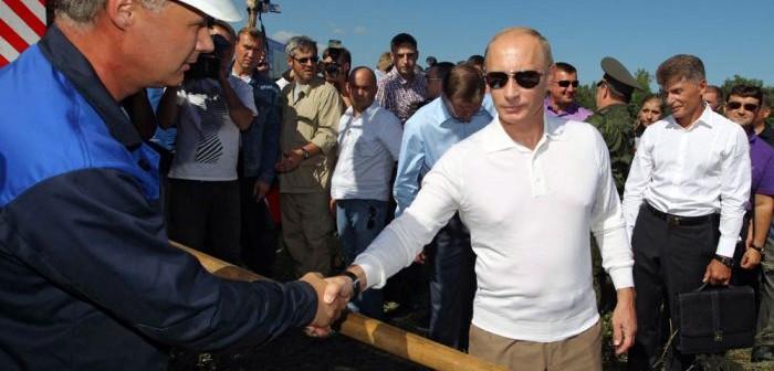 Władimir Putin na placu budowy kosmodromu Wostocznyj / Credits: EPA-Aleksiej Drużynnij
