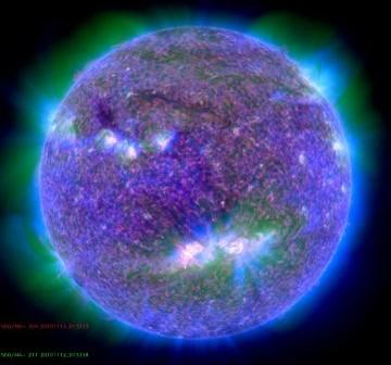Moment rozbłysku uchwycony przez sondę SDO / Credits - NASA, SDO