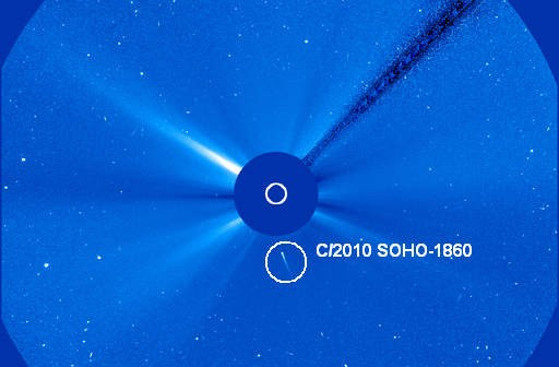 Kometa C/2010 SOHO-1860 odkryta 17 listopada przez Michała Kusiaka (NASA)