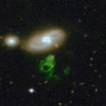 Odkryty w 2008 roku na jednym ze zdjęć udostępnionych przez projekt Galaxy Zoo, tajmniczy obiekt nazwany Hanny's Veerworp, będący chmurą gazu oświetloną przez światło nieistniejącego już kwazara (Galaxy Zoo)