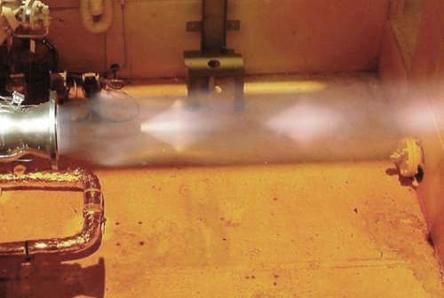 Testy injektora silnika OME (Aerojet)