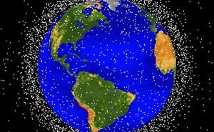 Wizualizacja niektórych obiektów znajdujących się na orbitach okołoziemskich / Credits: NASA