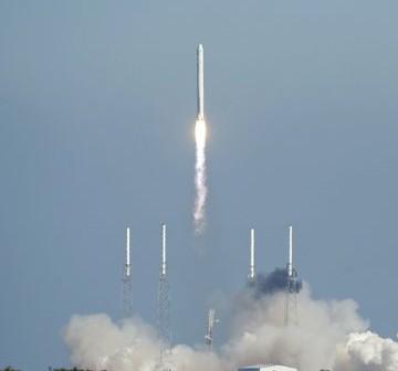 Start rakiety Falcon 9 - 08.12.2010 / Credits - NASA, Kevin O'Connell
