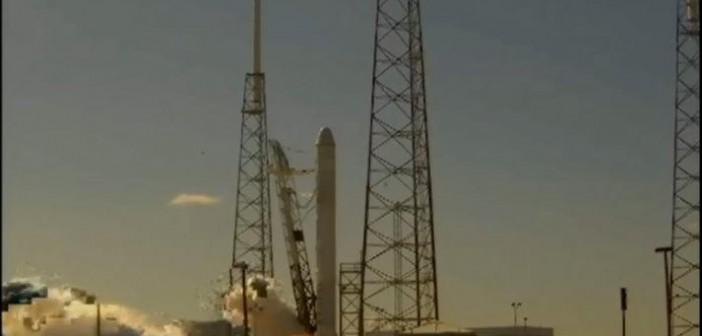 Statyczny test Falcona 9, 3 grudnia 2010 / Credits: SpaceX, źródło: jmvh, astronautyka.org