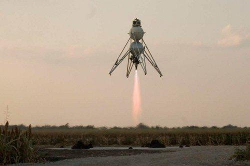 Suborbitalny pojazd pionowego startu i lądowania / Credits - Armadillo Aerospace
