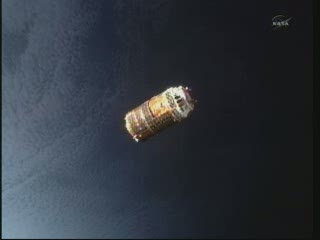 12:06 CET - HTV-2 na granicy dnia i nocy nad Ziemią / Credits - NASA TV