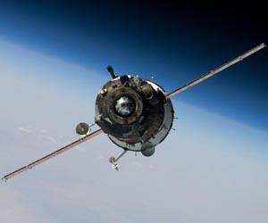 Sojuz TMA-16 zbliżający się do ISS / Credits: NASA
