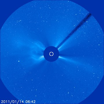 CME z 14 stycznia 2011 roku - 36 minut później / Credits - NASA, ESA, SOHO