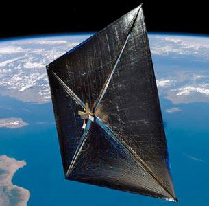 NanoSail-D z rozłożonym żaglem słonecznym / Credits: NASA