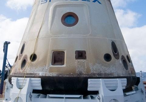 Kapsuła Dragon firmy SpaceX, jedyna już zbudowana, ale na razie bezzałogowa, po swoim pierwszym locie / Credits - SpaceX
