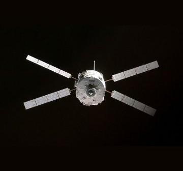 ATV-1, zbliżający się do ISS / Credits - NASA, ESA