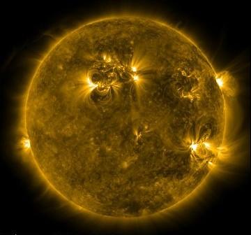 Wygląd Słońca w dniu 18 lutego, o godzinie 00:42 CET / Credits - NASA, SDO