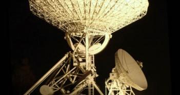 Radioteleskopy funkcjonujące w obserwatorium UMK w Piwnicach (kosmonauta.net)