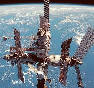 Stacja Mir w 1998 roku / Credits - NASA