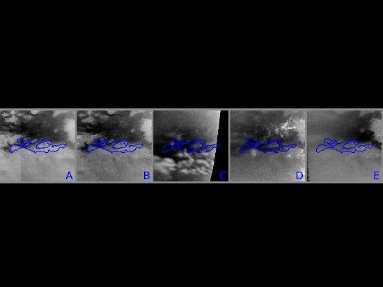 Ilustracja przedstawia zmiany na powierzchni Tytana po przejściu metanowej burzy. Najjaśniejsze obiekty to metanowe chmury, unoszące się w troposferze. Na rys. B widoczne po lewej stronie, na rys. C w dolnej części i po prawej na rys. D. Na tych zdjęciach, ciemne, powierzchniowe obszary rosną i maleją w przeciągu tygodni obserwacji. Największy zakres tych zmian przedstawiają niebieskie kontury. Pierwsze zdjęcie w montażu zostało wykonane w październiku 2009 i przedstawia południową część Belet przed przejściem burzy. Zdjęcie B zostało wykonane pod koniec września 2010. Po lewej stronie widać początek wielkiej burzy, przesuwającej się wzdłuż równika. Dalej, na zdjęciu C, wykonanym w połowie października 2010, widać obszar powierzchniowych zmian, po szybkim przejściu burzy. Mokra powierzchnia jest wciąż widoczna na zdjęciu D (zrobionym pod koniec października 2010). 15 stycznia 2011 wilgotny obszar znacznie zmalał i pozostał tylko niewielki fragment, co przedstawia zdjęcie E. [Image credit: NASA/JPL/SSI]