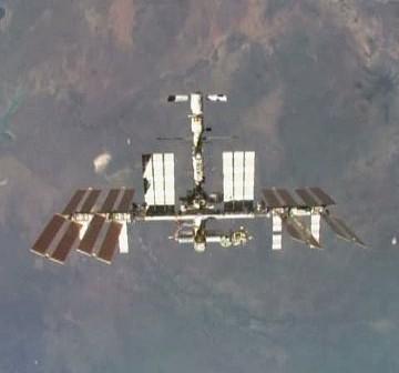 ISS z pokładu Discovery - zdjęcie z wczorajszego Flight Day 12 / Credits - NASA TV