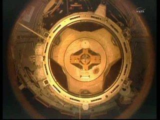 13:02 CET - chwilę po rozłączeniu - widok na PMA 2 / Credits - NASA TV