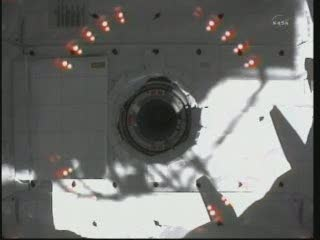 15:40 CET - widok z modułu Unity / Credits - NASA TV