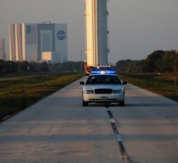 Transport ładunku na platformę startową LC-39A - 23 marca 2011 / Credits - NASA