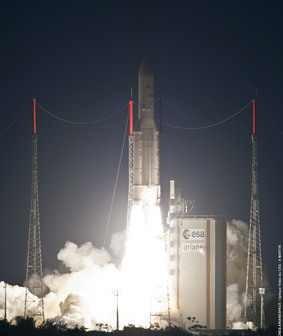 Start Ariane 5 z satelitami Yahsat-1A i New Dawn / Credits: ESA