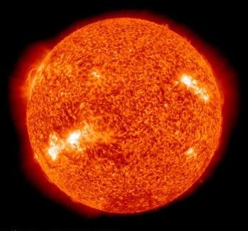 Widok Słońca w dniu 22 kwietnia 2011 roku o godzinie 20:15 CEST / Credits - NASA, SDO
