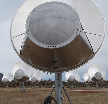 Jeden z radioteleskopów sieci ATA - zdjęcie z 2007 roku / Credits - SETI Institute