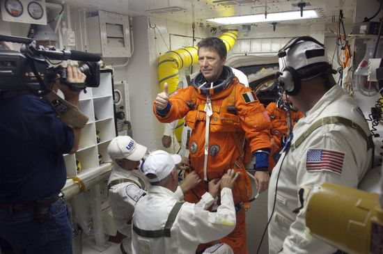 Astronauta ESA Roberto Vittori w trakcie ćwiczeń TCDT / Credits - NASA, Kevin O'Connell
