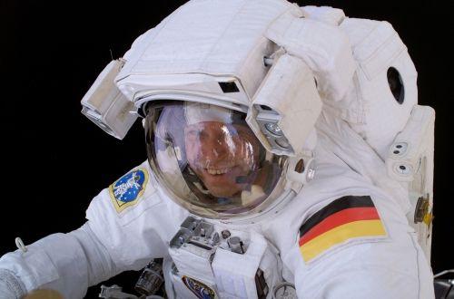 Europejski astronauta - Thomas Reiter, podczas spacer kosmicznego / Credits: NASA