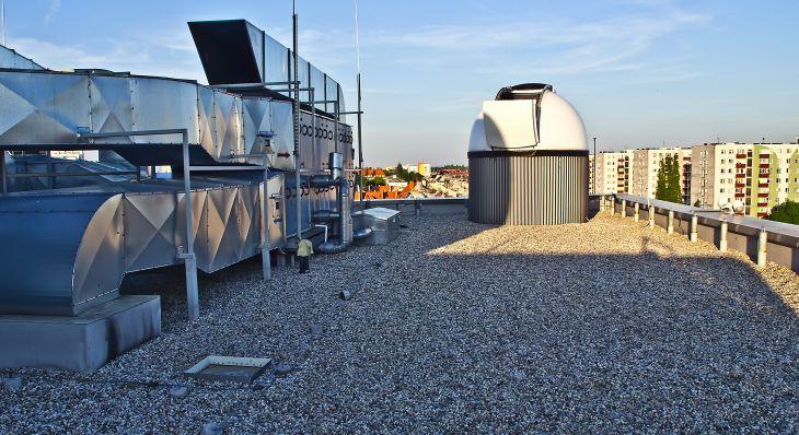 Kopuła obserwatorium na dachu / fot. Aleksander Kurek