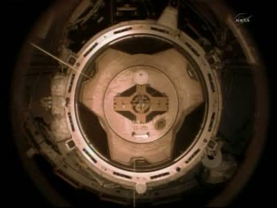 Pierwsze chwile po odcumowaniu (5:57 CEST) / Credits: NASA TV