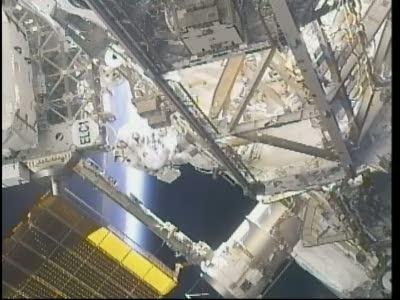 EVA-1 trwa przeszło 2,5 godziny (NASA)