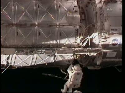 Praca w rejonie modułów Harmony i Destiny (NASA)