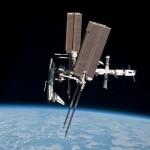 Jedno ze zdjęć z unikalnego manewru Stacji / Credits - NASA, Paolo Nespoli