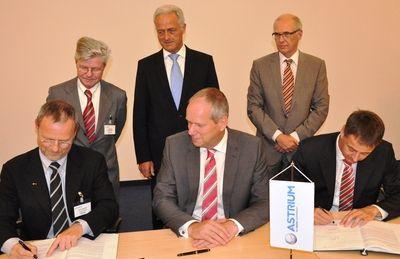 Podpisanie umowy o wykonanie Sentinel-4 / Credits: ESA