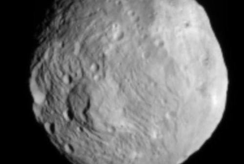 9 lipca - Westa z odległości 41 tysięcy kilometrów / Credits - NASA, JPL
