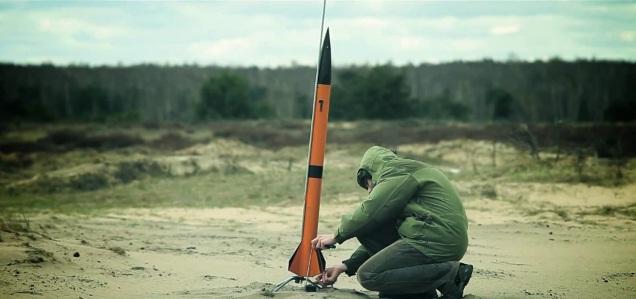 Kacper Zieliński, z rakietą Anihilacja, Fot. Marek Krempa, Credits - PTR