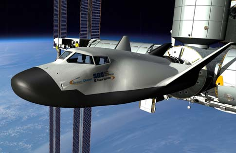 Dream Chaser cumuje do ISS (grafika) / Credits: SNC