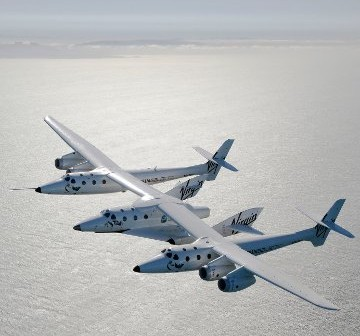 WhiteKnightTwo i SpaceShipTwo / Credits - Mark Greenberg, Virgin Galactic